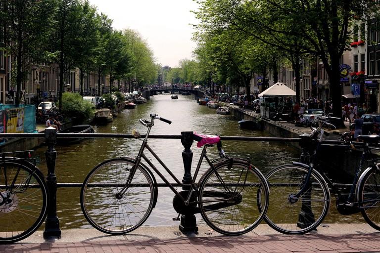 amsterdam-2522378_1920