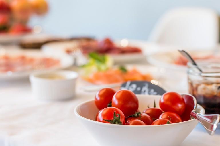 https://pixabay.com/en/brunch-breakfast-tomatoes-healthy-2242824/