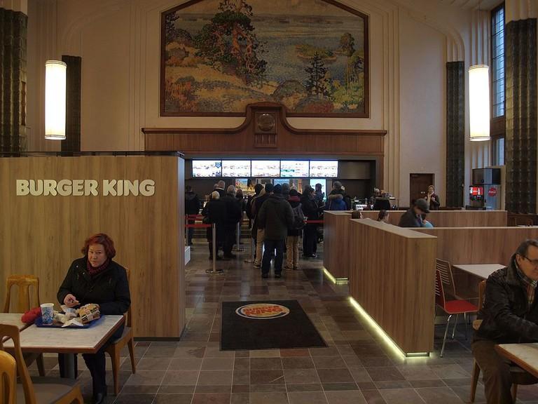 Burger_King_at_Helsinki_Central_railway_station