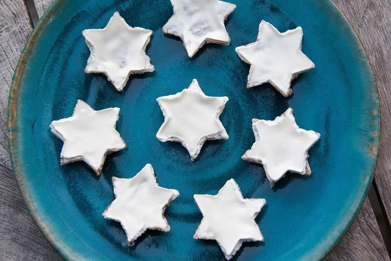 Cinnamon stars I