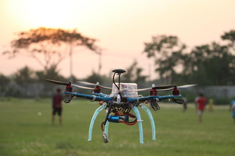 drone-2879538_1280