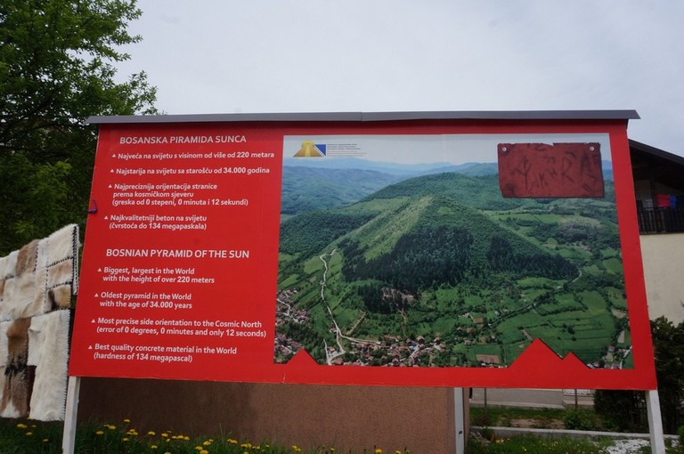 The Bosnian Pyramid of the Sun's information board | © Sam Bedford
