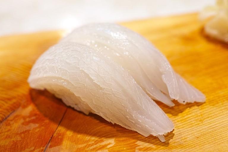 Iki-nigiri (squid)