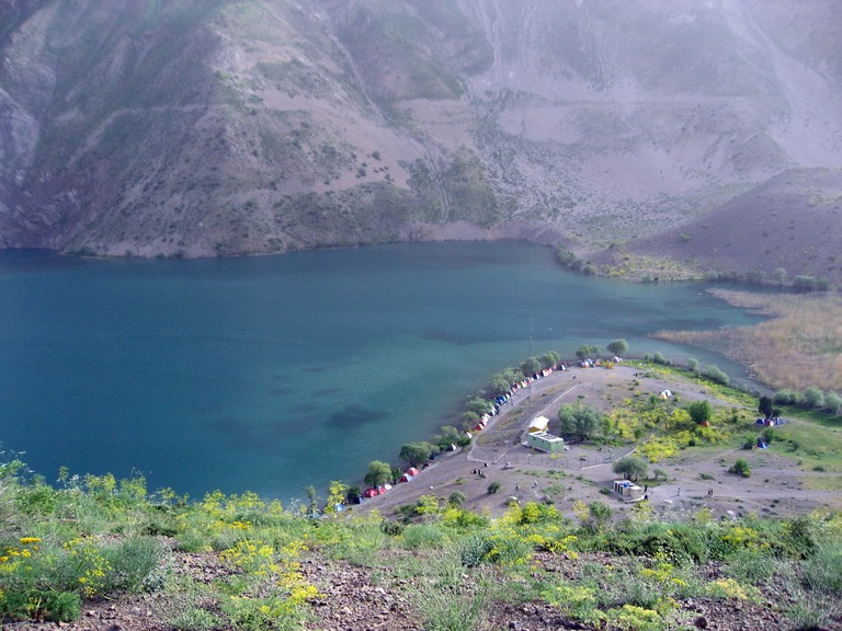 Gahar Lake is a major attraction of Lorestan | © Author Hamid Soufi : Wikimedia Commons