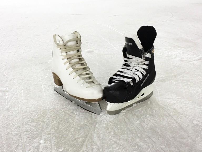 ice-skating-1215114_1920