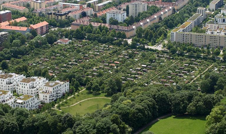 Kleingartenanlage_am_Ackermannbogen,_Schwabing,_München