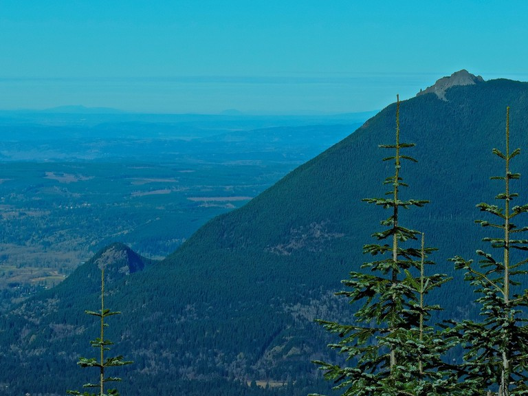 Little Si and Mt. Si | © Peter Stevens / Flickr