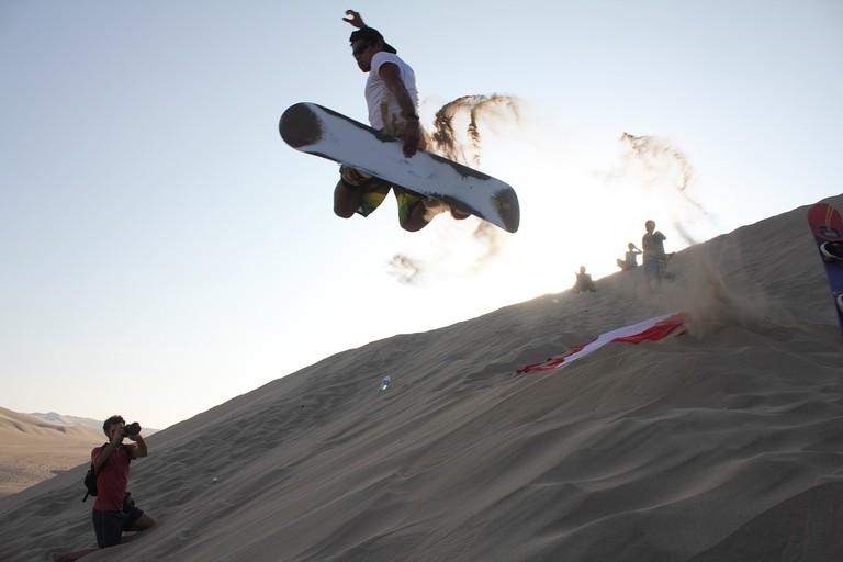 sandboarding-688184_1280