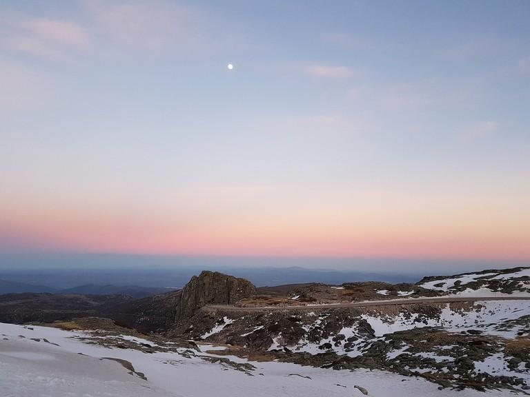 https://pixabay.com/en/serra-da-estrela-snow-holidays-2853546/