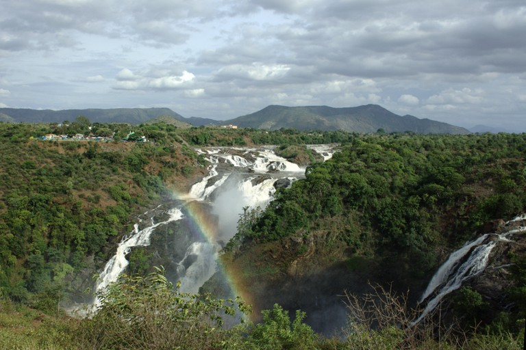 The best time of visit Sivasamudram falls is between July and October