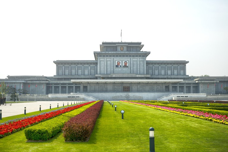 Visitors must walk throw a dust-blowing machine in this palace