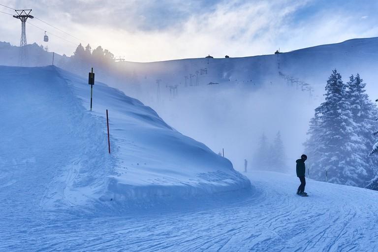 skiing-2338664_1280
