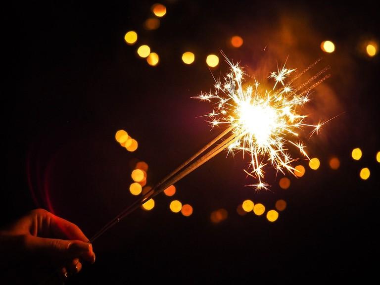 sparkler-2561212_1280