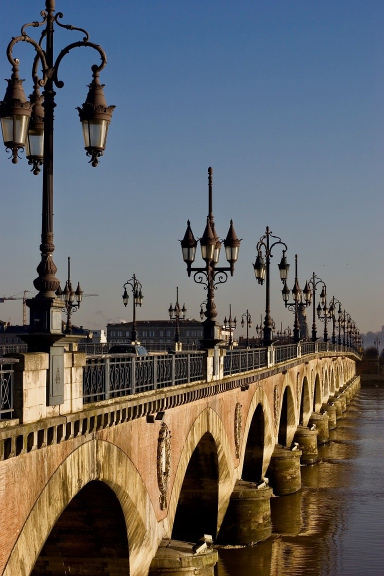 The iconic Pont de Pierre|©Olivier Aumage WikiCommons