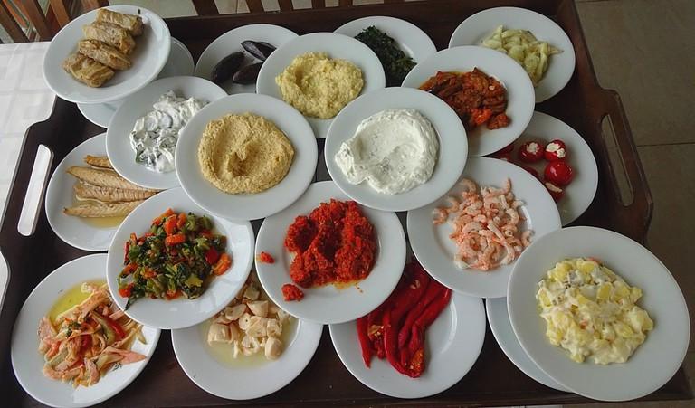 1024px-Meze_Lido_Restaurant_Adalar