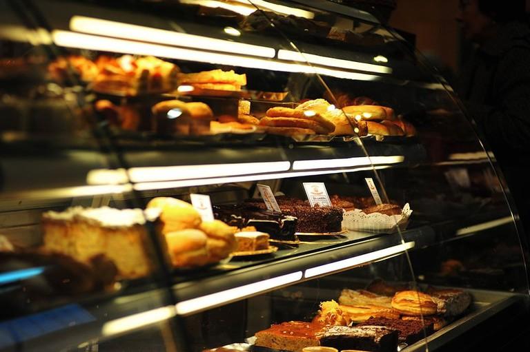 1024px-Montra_de_Cafe_em_Braga