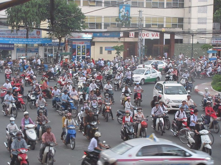 1024px-Traffic_in_HCMC
