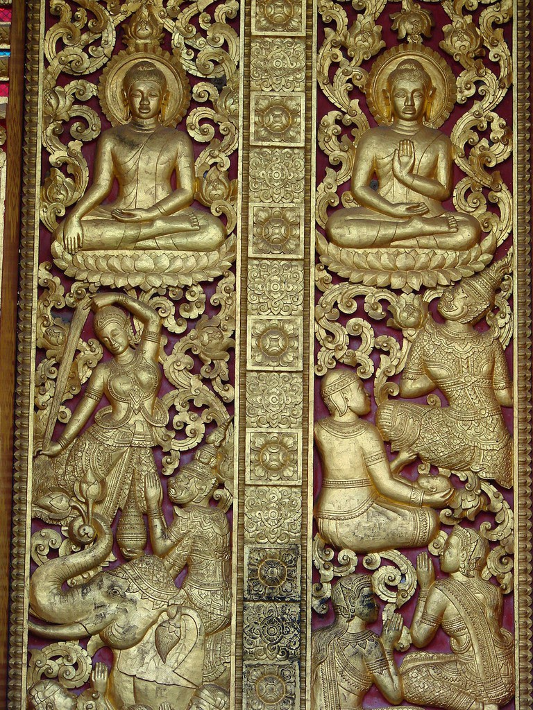 1024px-Wat_Pa_Phai_monastery_reliefs2009