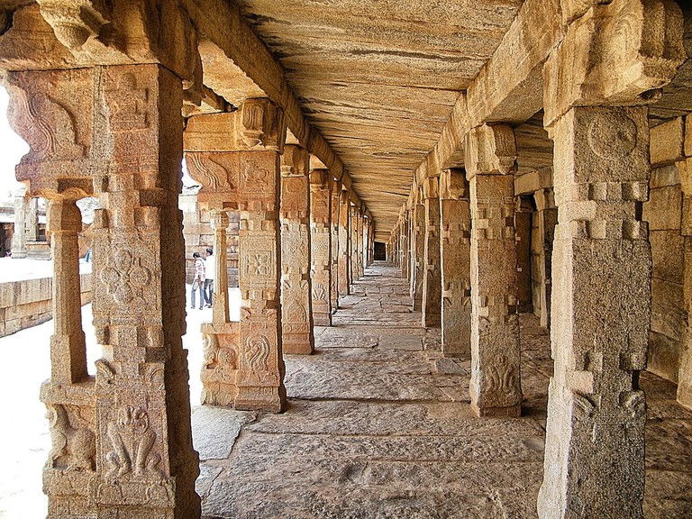 The popular carved pillars at the outer court of Lepakshi