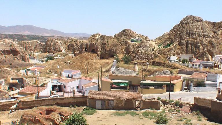 Cave homes in Guadix, Spain | ©Joergsam / Wikimedia Commons