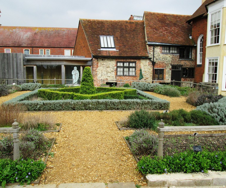 Garden of Tudor House, Southampton