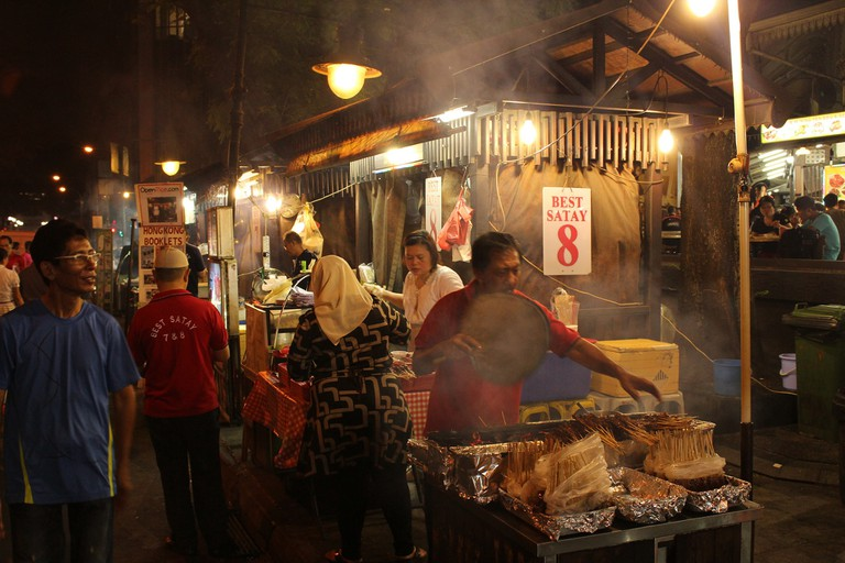 Singapore's food markets come alive at night