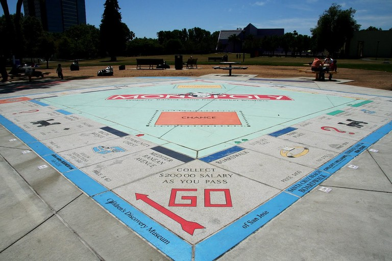 Monopoly in the Park Ι