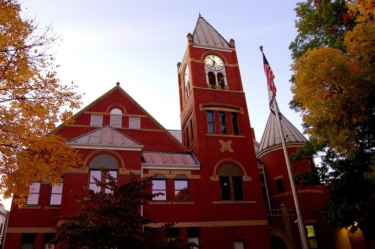 Monongalia County Courthouse Ι © Taber Andrew Bain/Flickr