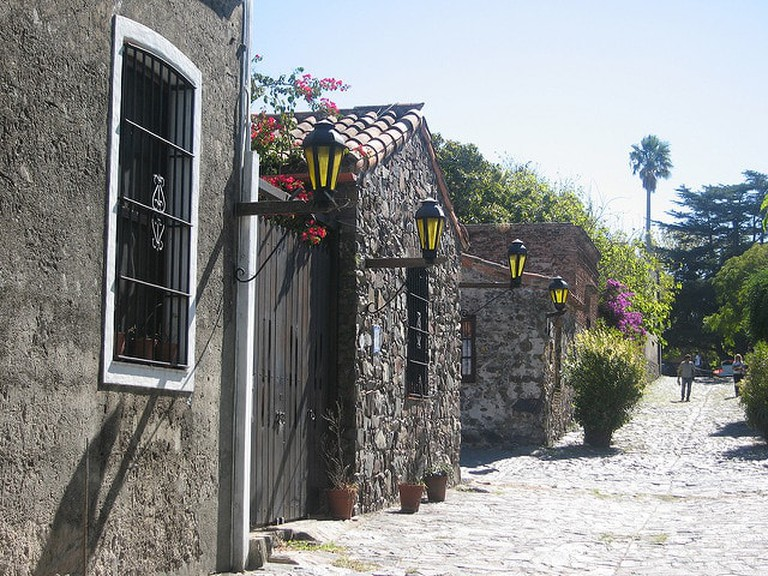 Cobbled streets and colonial architecture in Colonia del Sacramento