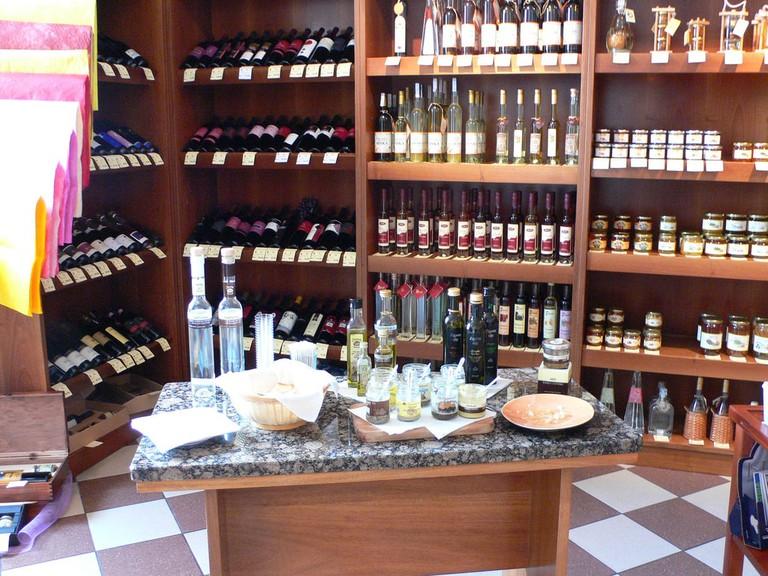Specialist store in Livade   © Heather Cowper-www.heatheronhertravels.com/Flickr