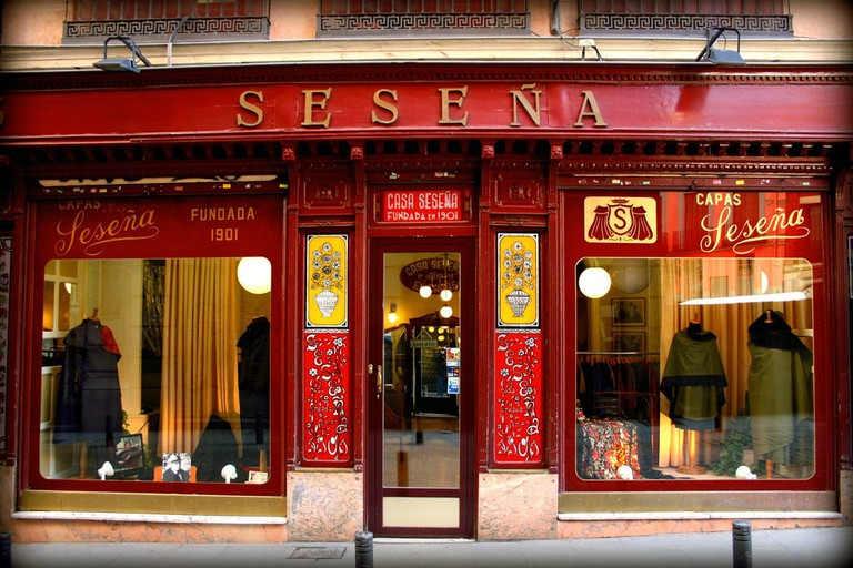 Seseña handcrafted Spanish capes