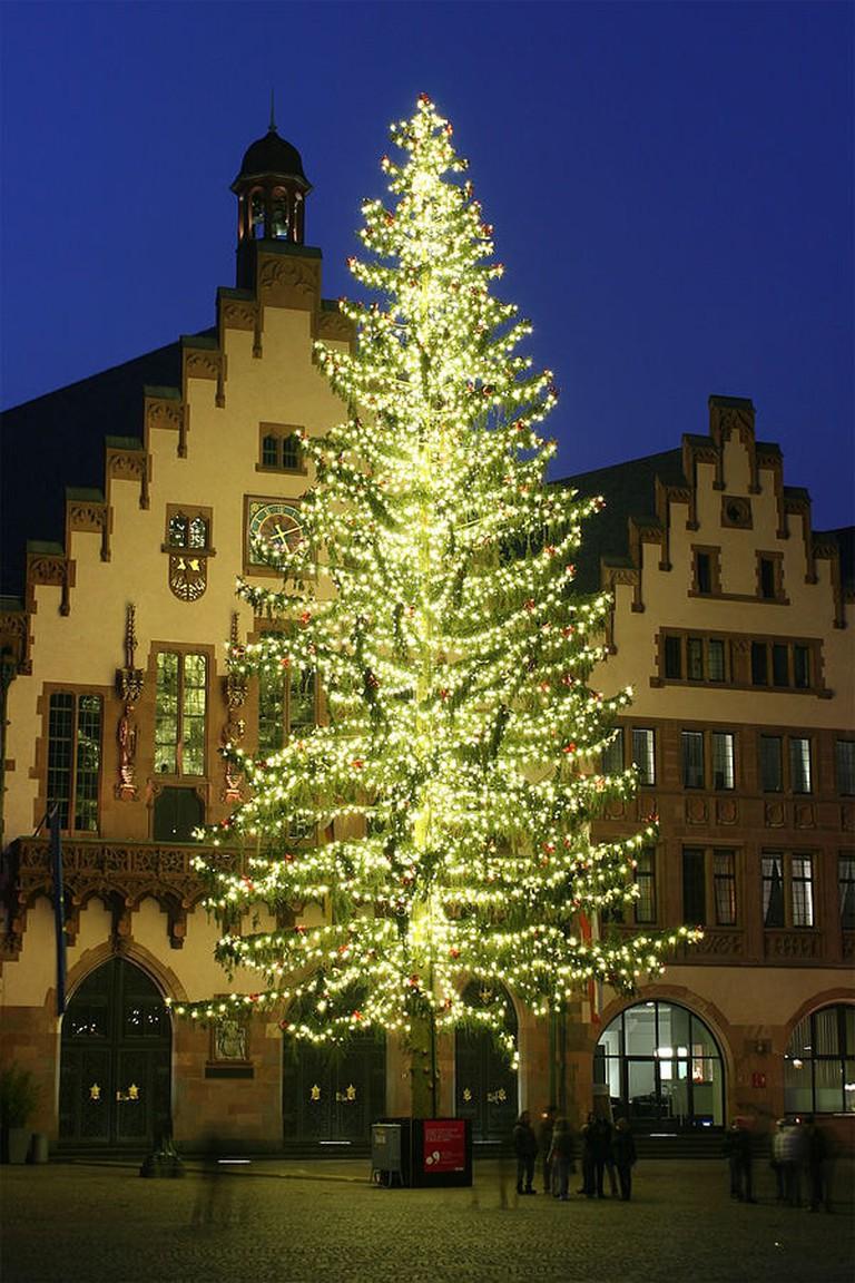 600px-Weihnachtsbaum_Römerberg
