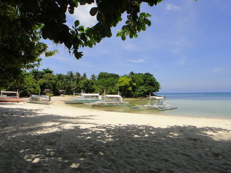 Peaceful beach in Malapascua Island