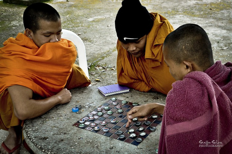Novices playing checkers