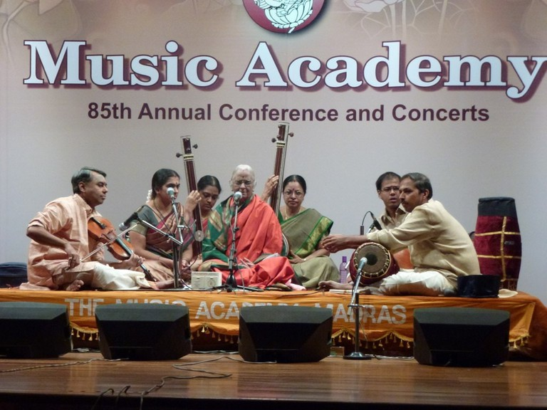 Octogenarian R. Vedavalli performs at The Music Academy in Chennai