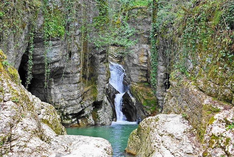Агурские_водопады