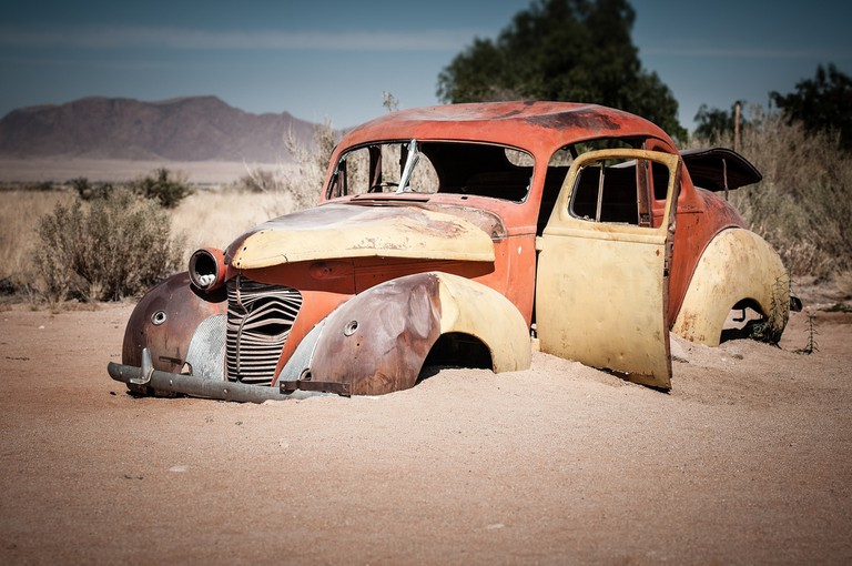 Abandoned car in Solitaire