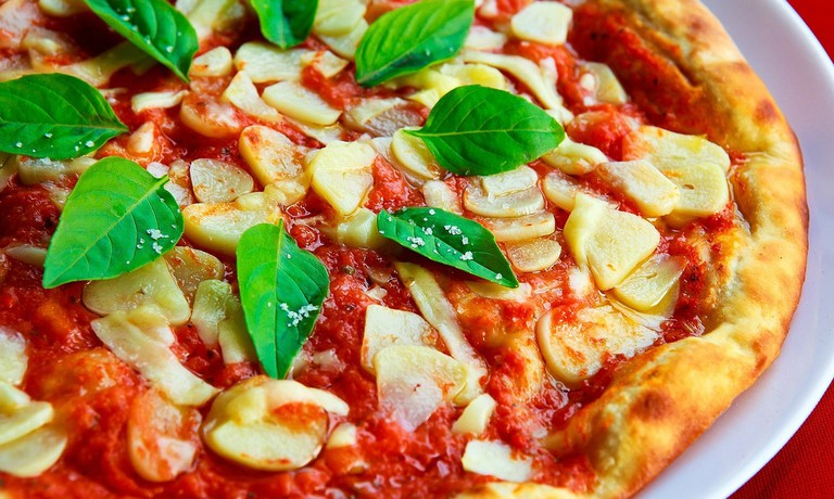 Basil Food Garlic Sauce Italian Pizza Crust