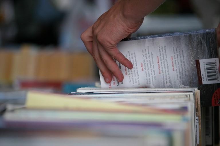 books-2566812_1280