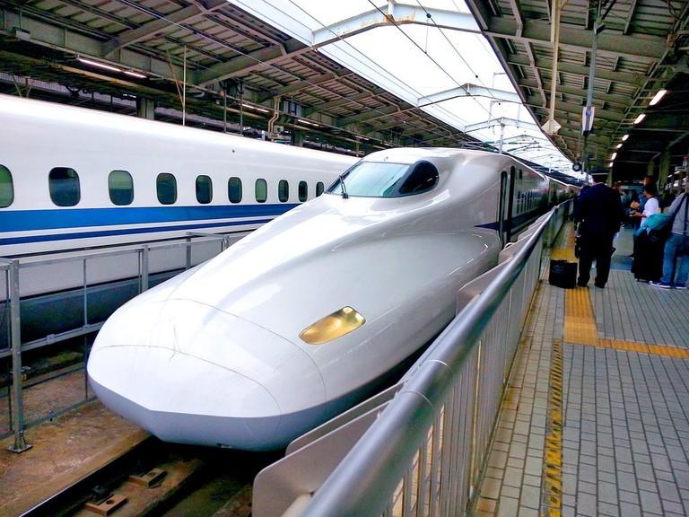 bullet-train-1540467_960_720