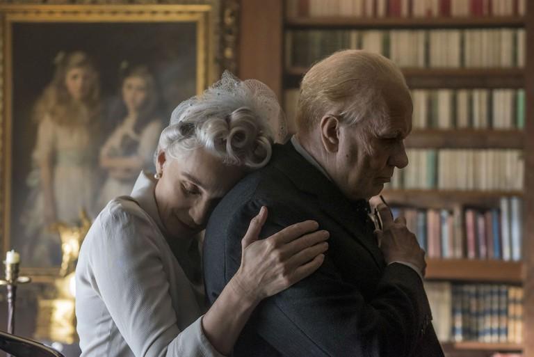 Clemmie (Krstin Scott Thomas) and Winston Churchill (Gary Oldman)