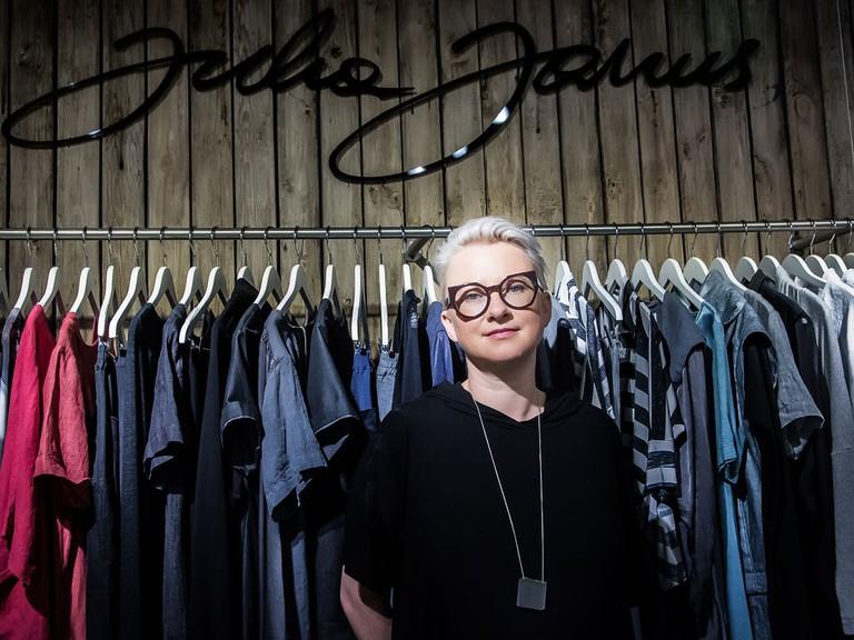 Designer-Julia-Janus