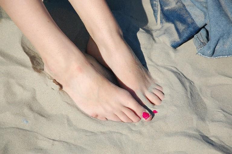 feet-1291213_1280