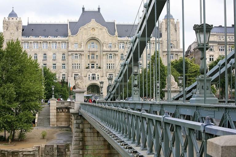 Four Seasons Hotel as seen from Széchenyi Bridge