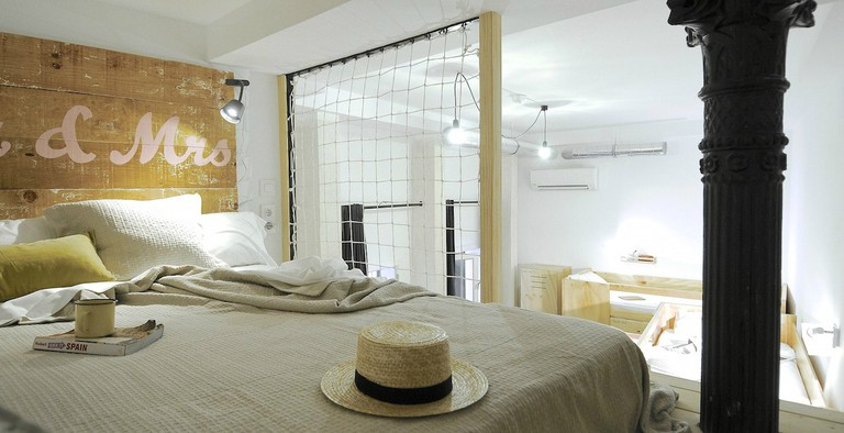 The Hat offers both dorms and private rooms