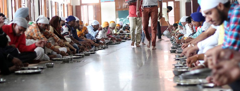 Langar_hall_darbar_sahib