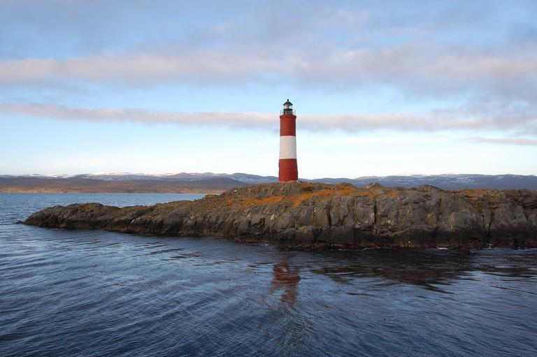 lighthouse-1567724_1280