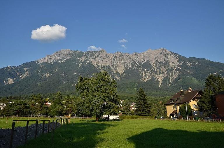 Masiv_Tři_sestry_-_Vaduz_-_panoramio (1)