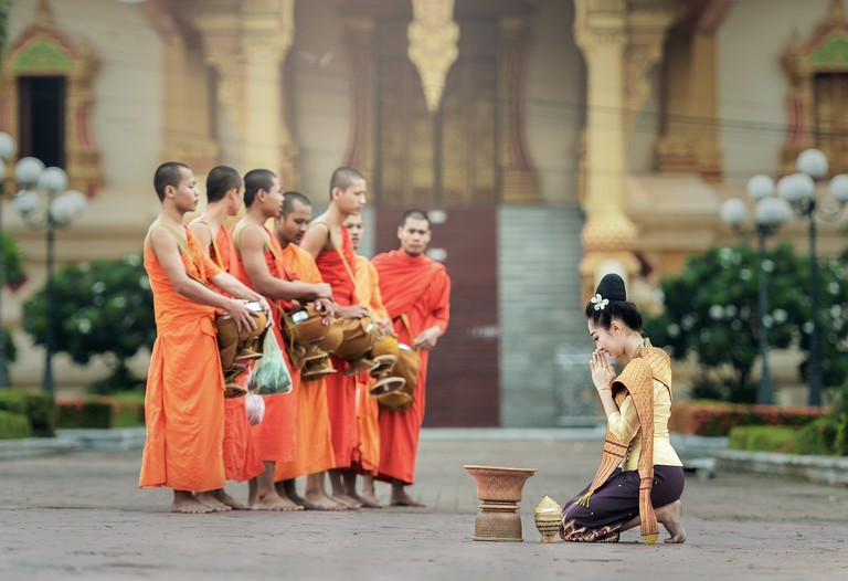 monks-1822569_1280