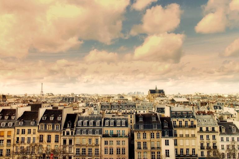 paris-2340852_1280